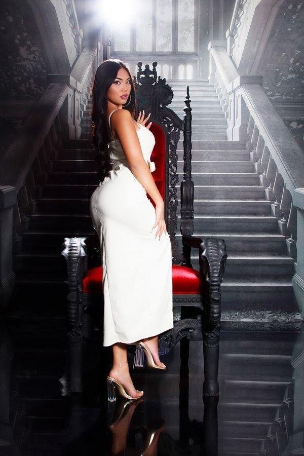 φόρεμα μακρύ σέξι δερματίνη κρεμ.