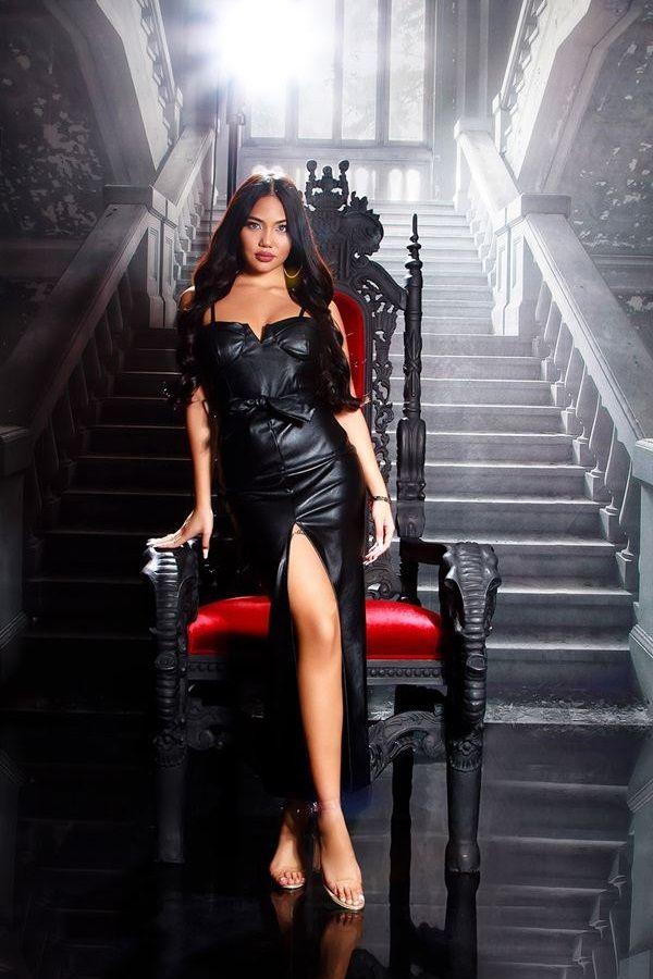 φόρεμα μακρύ σέξι δερματίνη μαύρο.