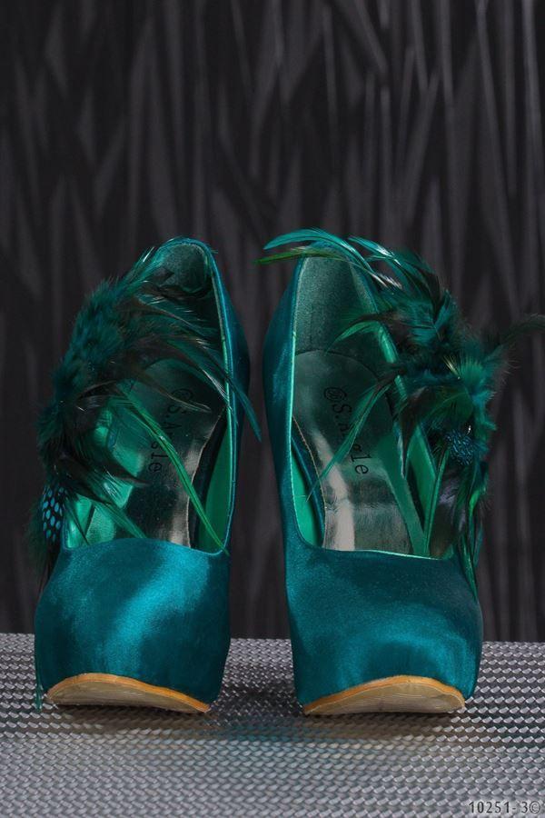 γόβα σατέν φτερά στρας πράσινη.