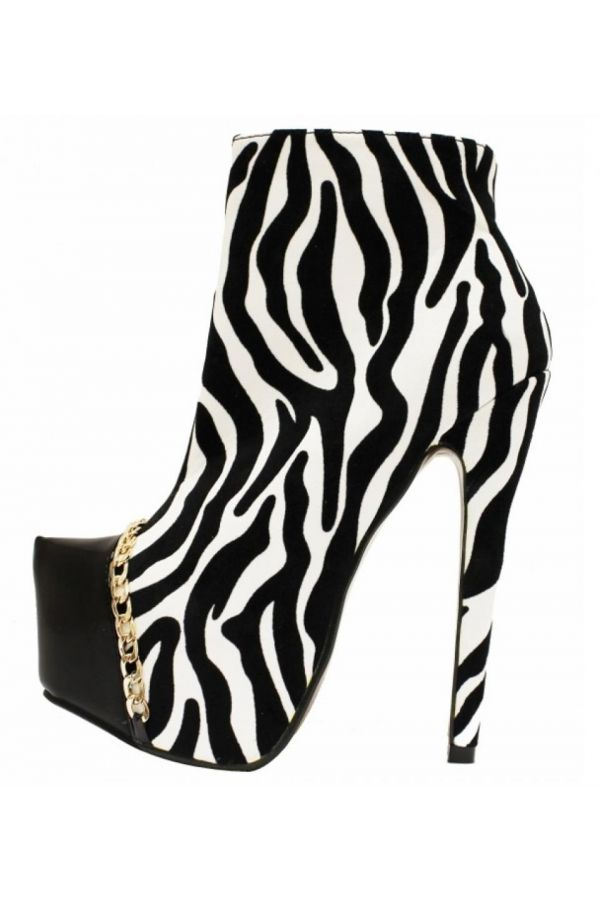 high heels ankle boot decorated with gold chain zebra