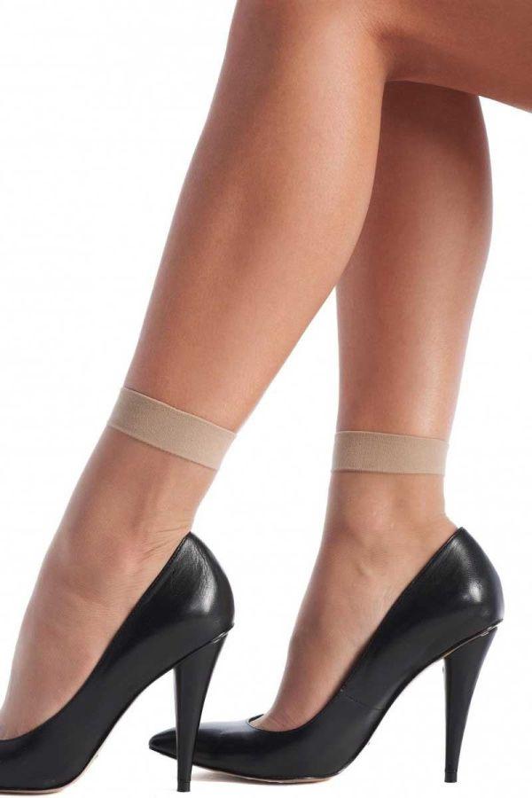 κάλτσες κοντές διάφανες μπεζ.