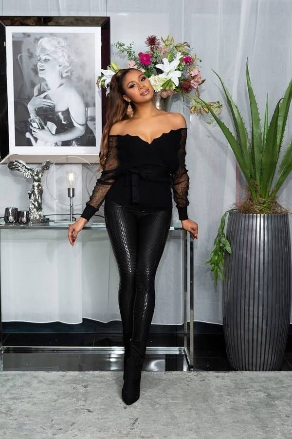 leggings leatherette sequins black.