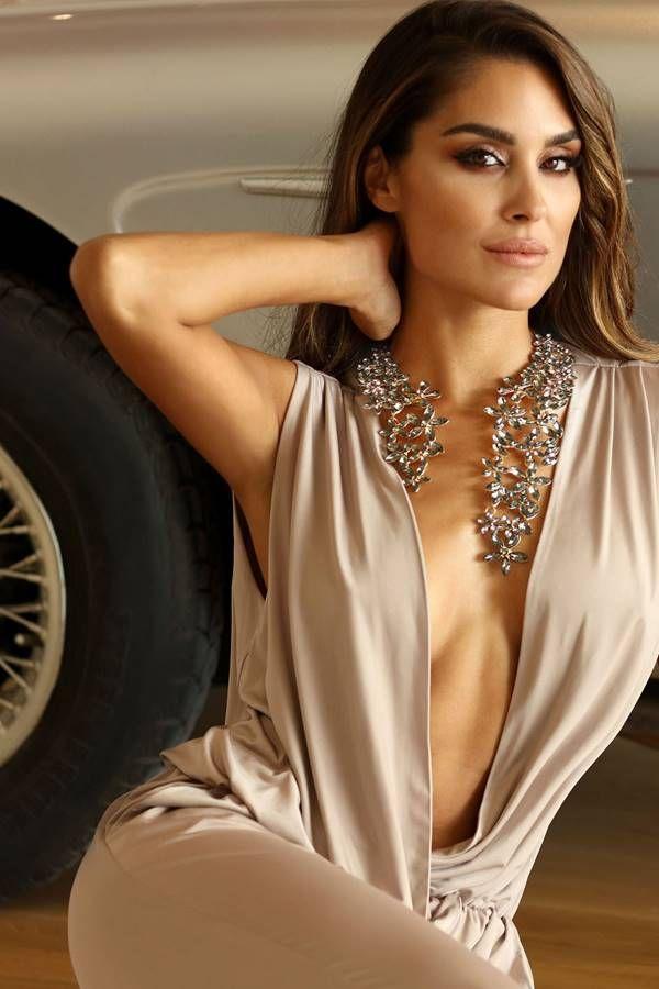 necklace ring black flowers stones golden.