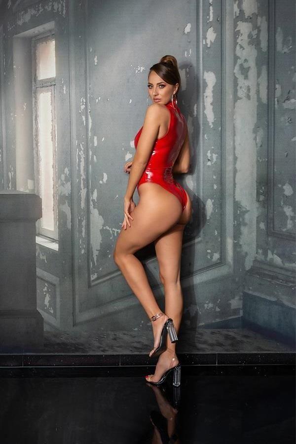 κορμάκι βινύλιο σέξι αμάνικο κόκκινο.