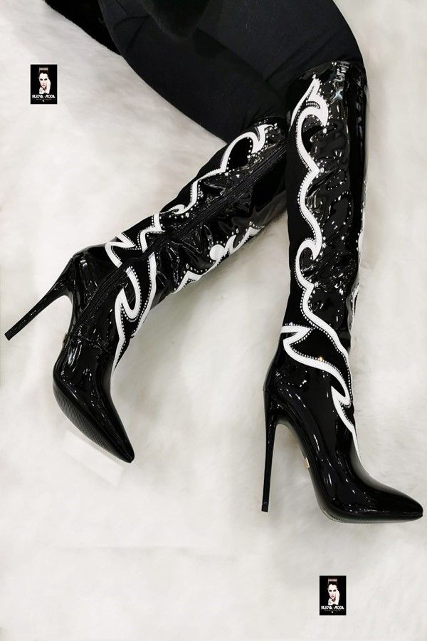 BOOTS EXCLUSIVE POINTED WHITE DESIGN PATENT BLACK JDK3720