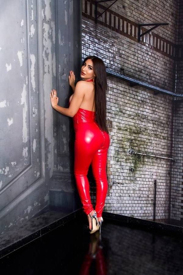 jumpsuit sexy zipper leatherette red.
