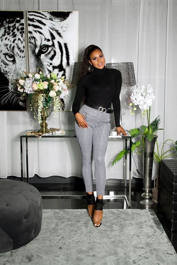 παντελόνι τσέπες μοτίβο άσπρο μαύρο.
