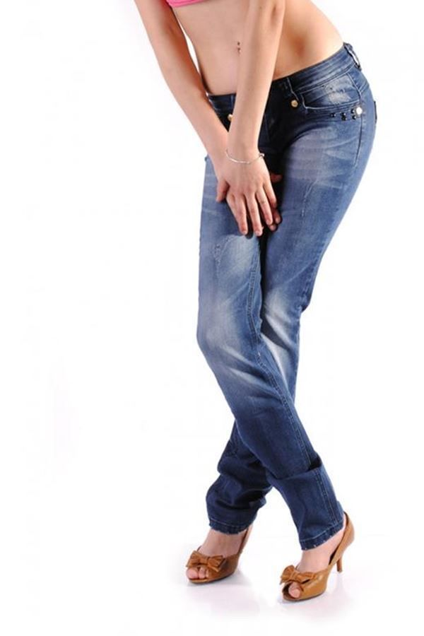 pants jean with decoration blue.