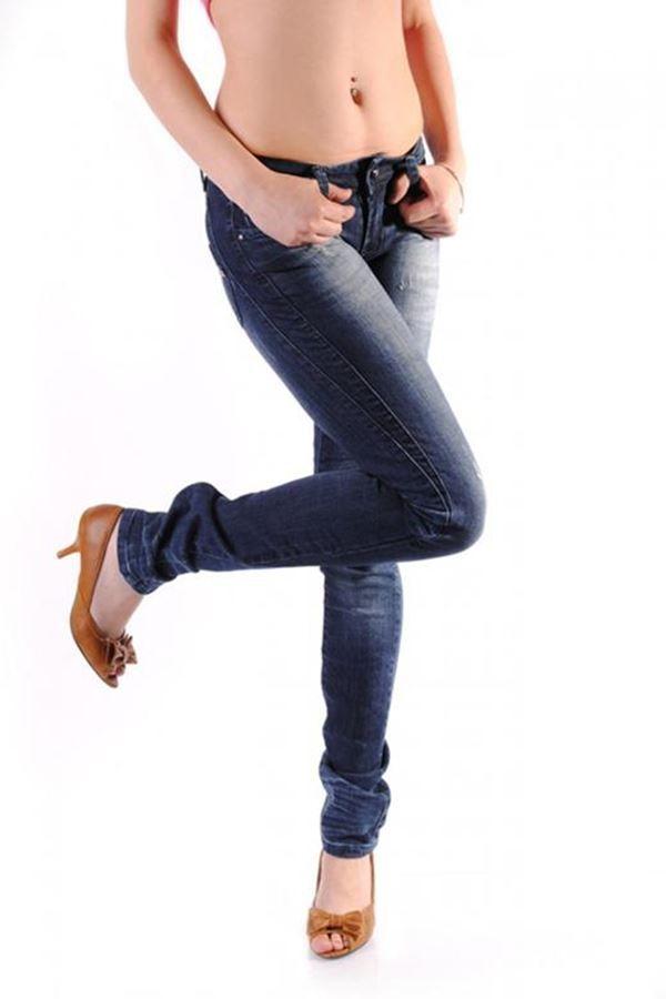 παντελόνι τζιν μπλε με τρουκς