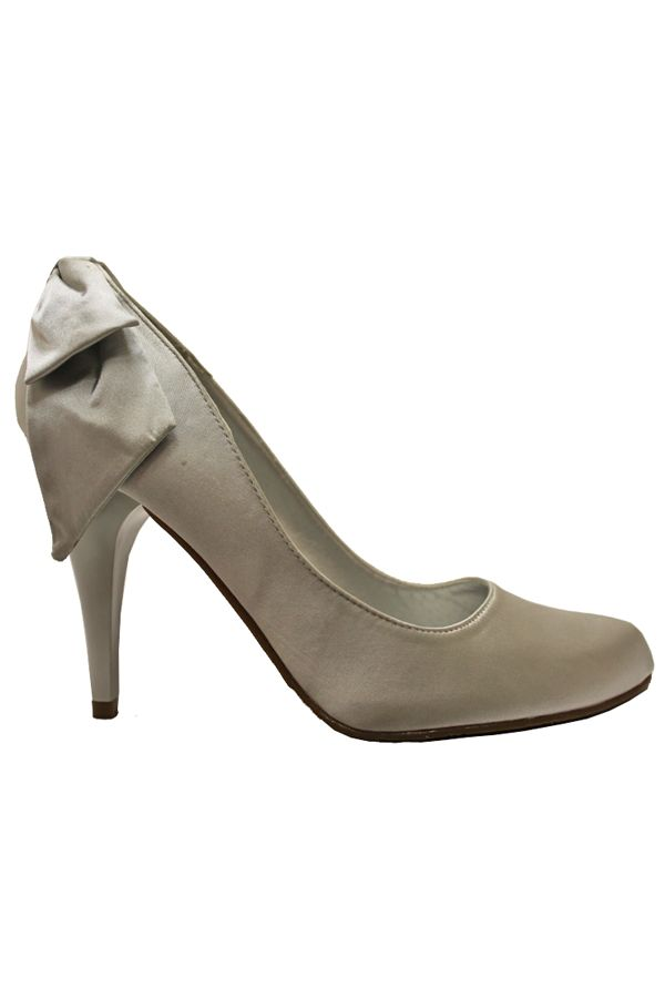 classic satin pump decorated with bow back silver