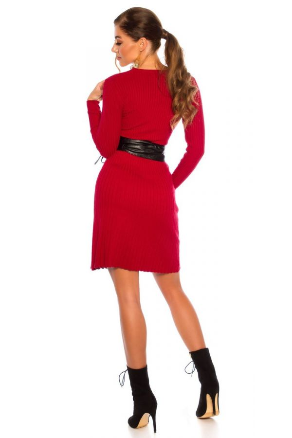 dress kintted a line red.