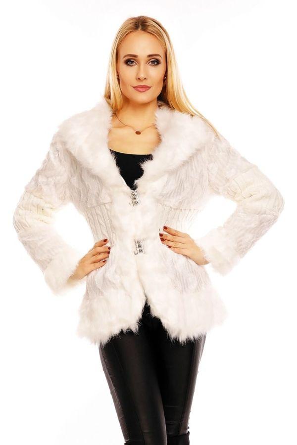 άσπρο γούνινο βραδυνό σακάκι.