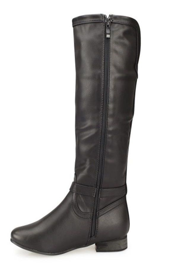 riding boot decorated with silver metallic ring and flat heel black