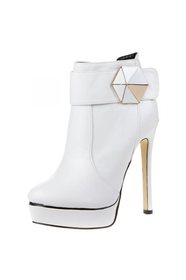 high heels ankle boot decorated with buckle white