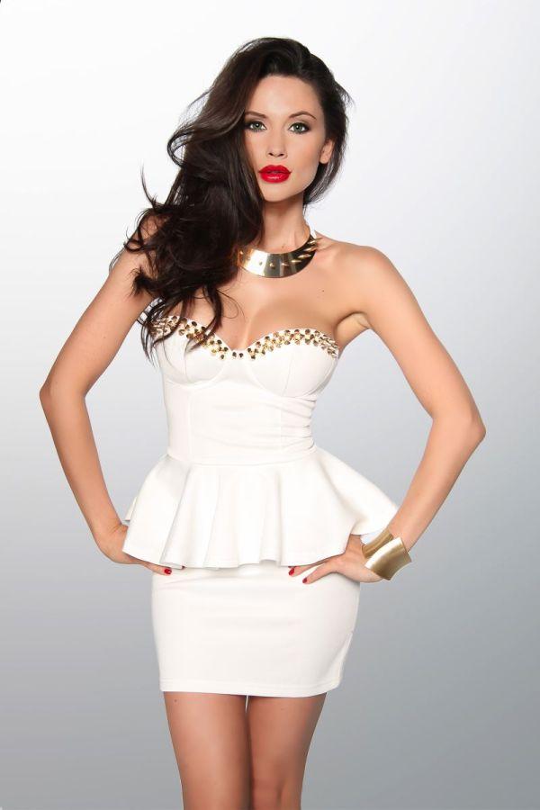 φόρεμα άσπρο vintage μίνι στράπλες διακοσμημένο με χρυσά καρφιά